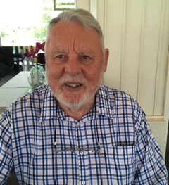 Terry Waite to speak and sign books at choir's Christmas concert